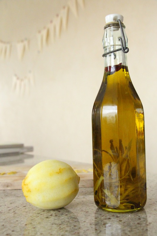 oil with lemon and black pepper