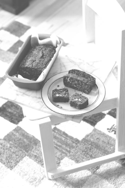 banana cake vegan gluten free sugar free with dates