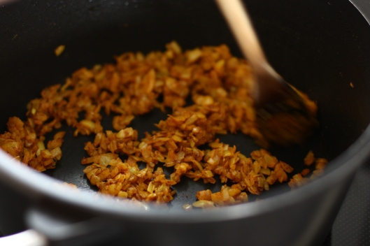 Fried onions with turmeric and cinnamon