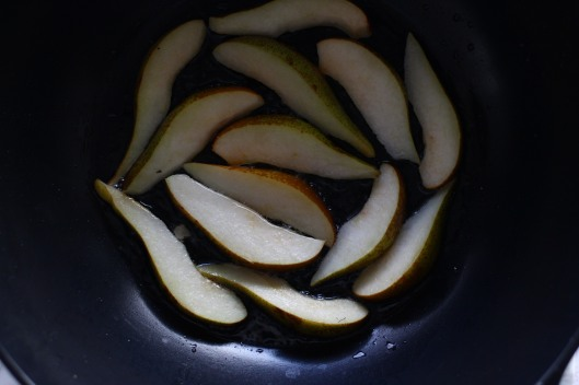 how to caramelise pears